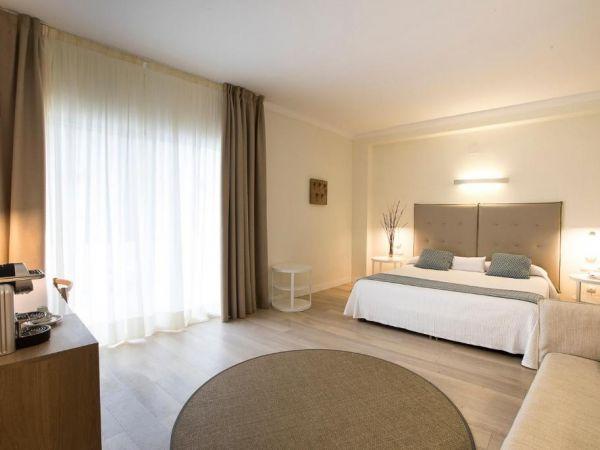 K&FUN LEVANTE HOTEL