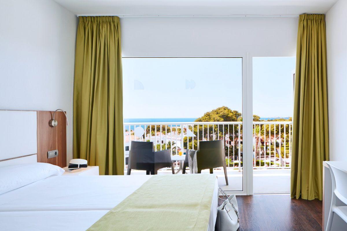 HOTEL GLOBALES CALA BLANCA